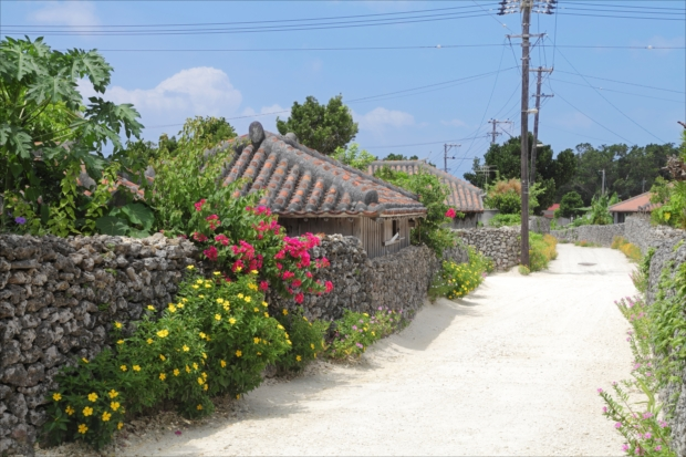 竹富島のバラスの道