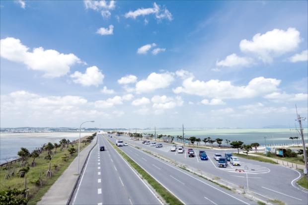 爽快なドライブが楽しめる海中道路