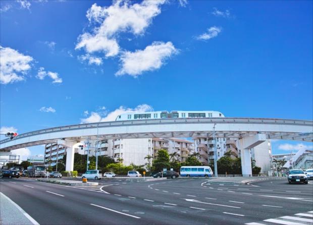 沖縄県で唯一の鉄道路線といえば、「ゆいレール」。