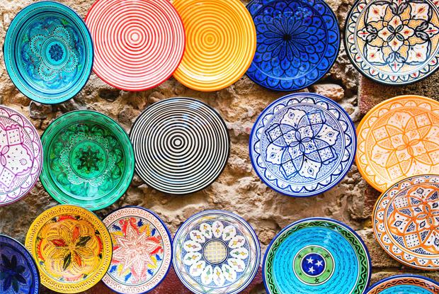 モロッコ、カラフルなお皿