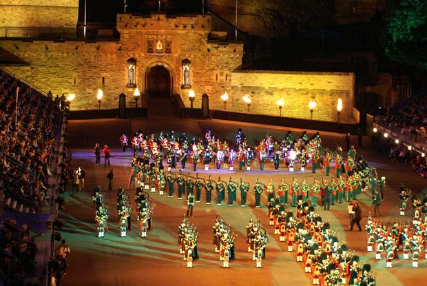 ミリタリータトゥーで、荘厳なスコットランド文化の神髄にふれる