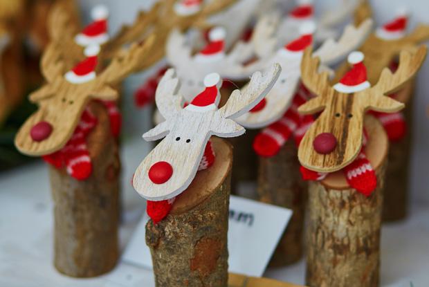 クリスマスマーケットの商品_木工製品のトナカイ