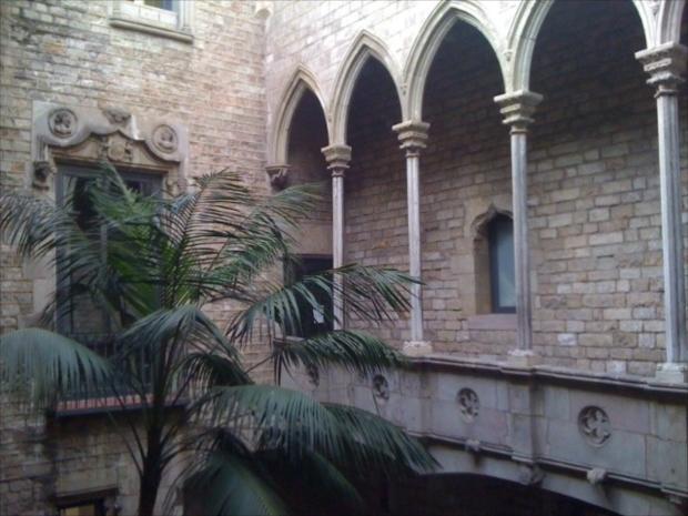 修業時代や少年時代の作品が4,000点以上が展示されているピカソ美術館