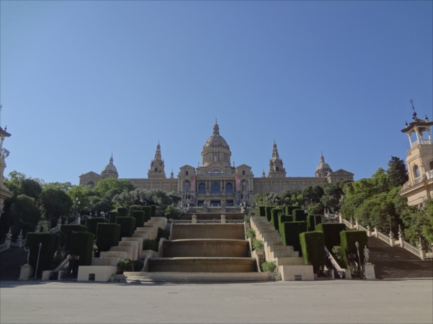 世界でも有数のロマネスク美術のコレクションを誇る「カタルーニャ美術館」