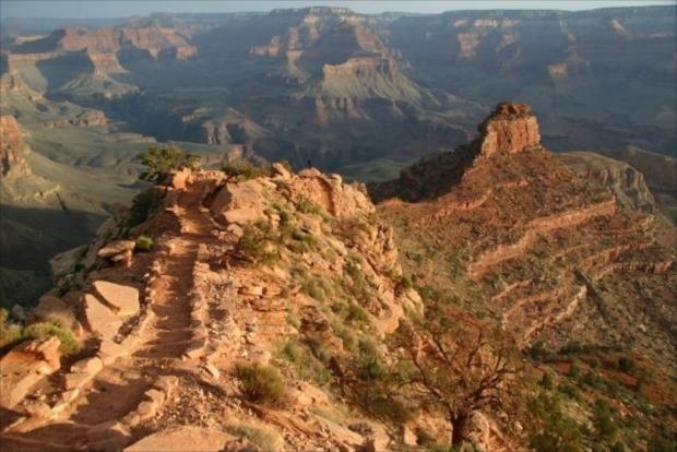 大自然が作り上げた景観は、息を飲むほど雄大で神々しい