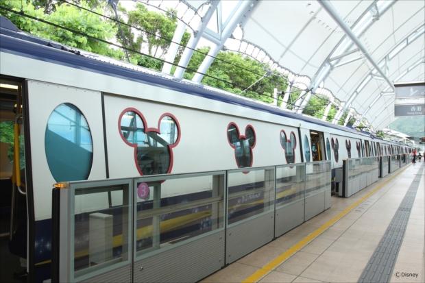 ミッキーの窓枠がかわいい! 香港ディズニーリゾートライン