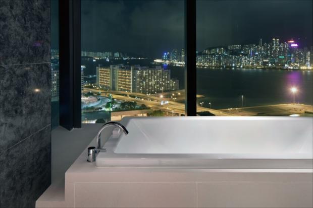 夜景を眺めながらのお風呂タイムも格別。