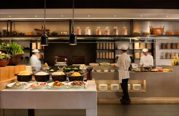 ザ・マーケットでは、ラクサや海南鶏飯など東南アジアの美食に注目!