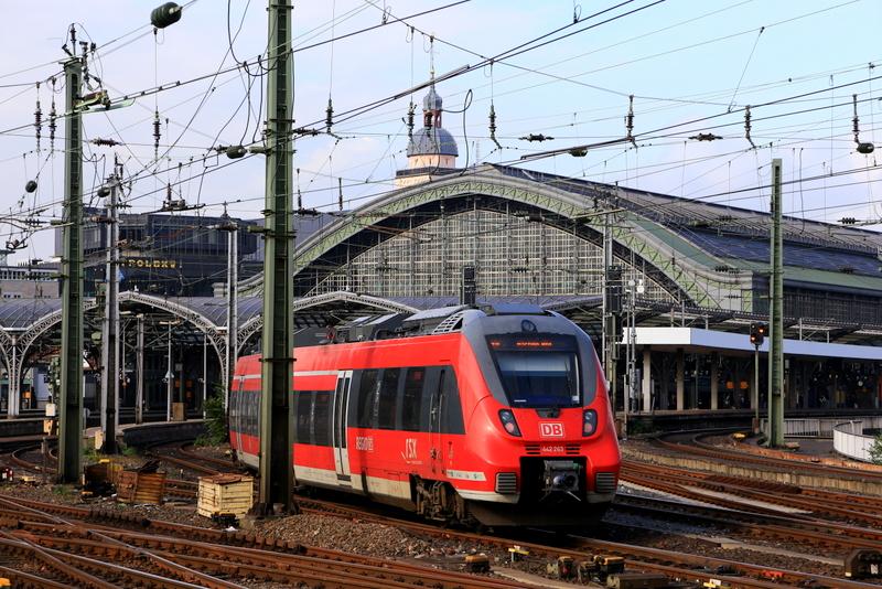 ドイツの北と南を繋ぐケルン中央駅 (写真提供:浅井みらのさん)
