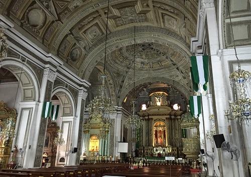 サンオーガスチン教会の内部