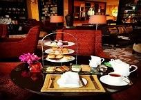 Raffles hotelで優雅なアフタヌーンティーのひと時を…