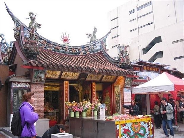 台北で小籠包を食べた後は縁結びへGO