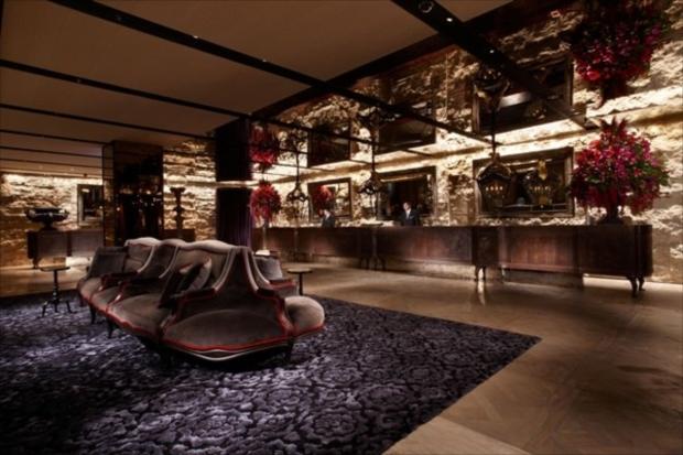 台北駅から徒歩5分で台湾の高級ホテル「パレ デ シン」のホテルロビーに到着