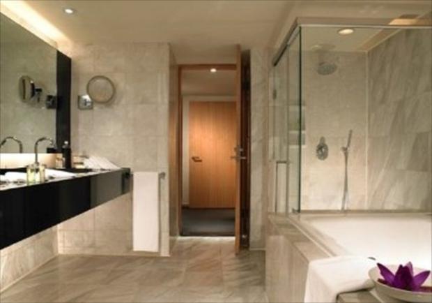 台湾高級ホテル「リージェント台北」の、総大理石の高級感あふれるバスルーム