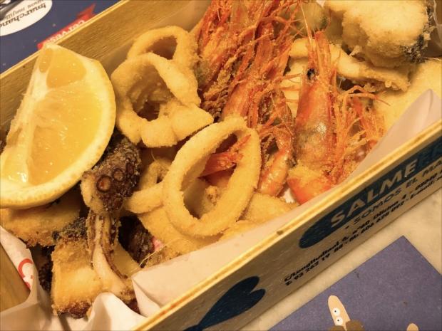 魚介のフリット。ビールや白ワインがとまらない!(写真提供/タケムラユウカ)