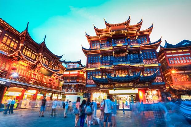 日本の観光客にも定番の夜景スポットになっている豫園商城