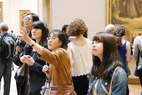 ルーブル美術館はガイド付きで効率良く見学する方法も