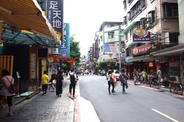 永康街は雑貨やコスメ、スイーツの人気店が集まるスポットとして地元女性にも大人気