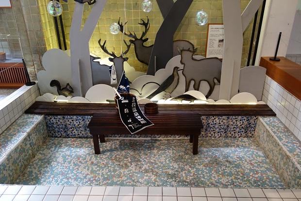「北投温泉博物館」も見学。かつての大浴場の跡が残されています。(写真提供:本田マイコさん)