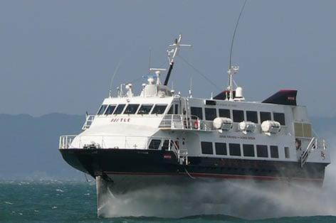 釜山まで毎日運行する高速船は、福岡から約3時間で到着!