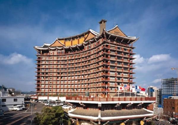 威風堂々としたコモドホテル釜山