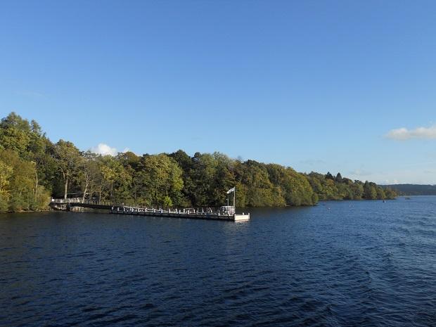 広大なウィンダミア湖。遊覧船があるので湖側からも美しい景色が楽しめる