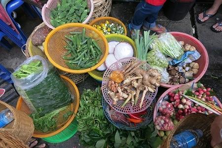 ハーブや香辛料をたくさん使うのもタイ料理の特徴