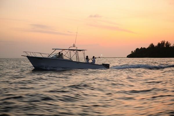 スピードボートは24時間利用可能