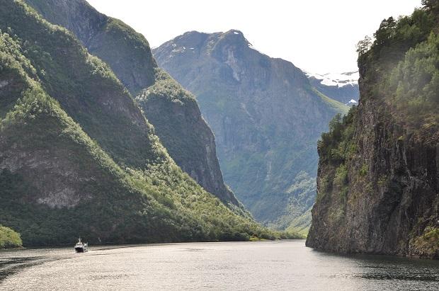 「ネーロイフィヨルド」は「ソグネフィヨルド」の先端部分に位置しており、世界自然遺産に登録されている