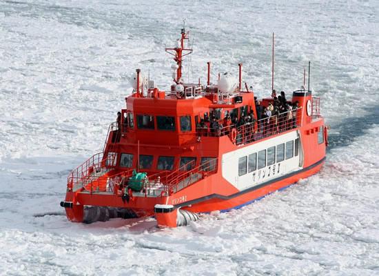 流氷砕氷船ガリンコ号(冬頃/イメージ)