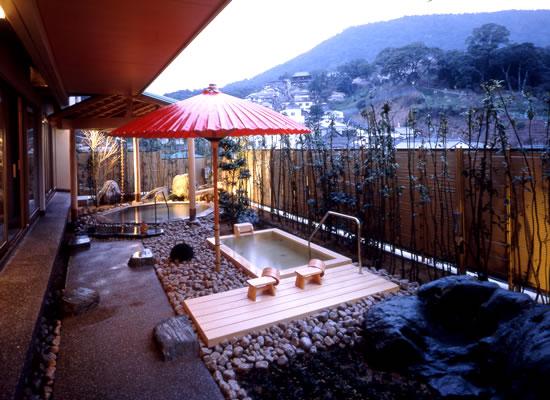 桜の抄・露天風呂