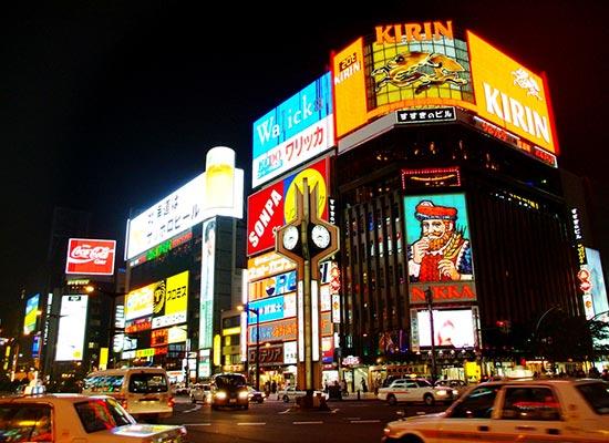 ホテルはすすきのエリアなので観光や食事に便利!(イメージ)