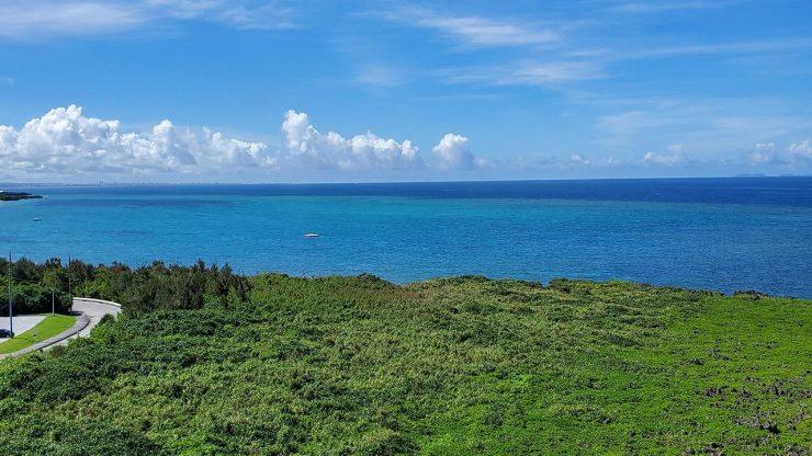 沖縄 那覇の青い海
