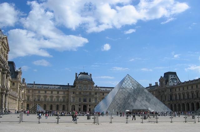 ルーヴル美術館|おすすめフランス観光スポット情報【HIS】