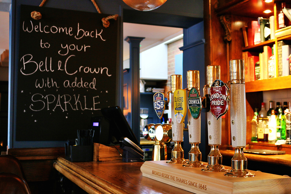 The Bell and Crown ベル&クラウン